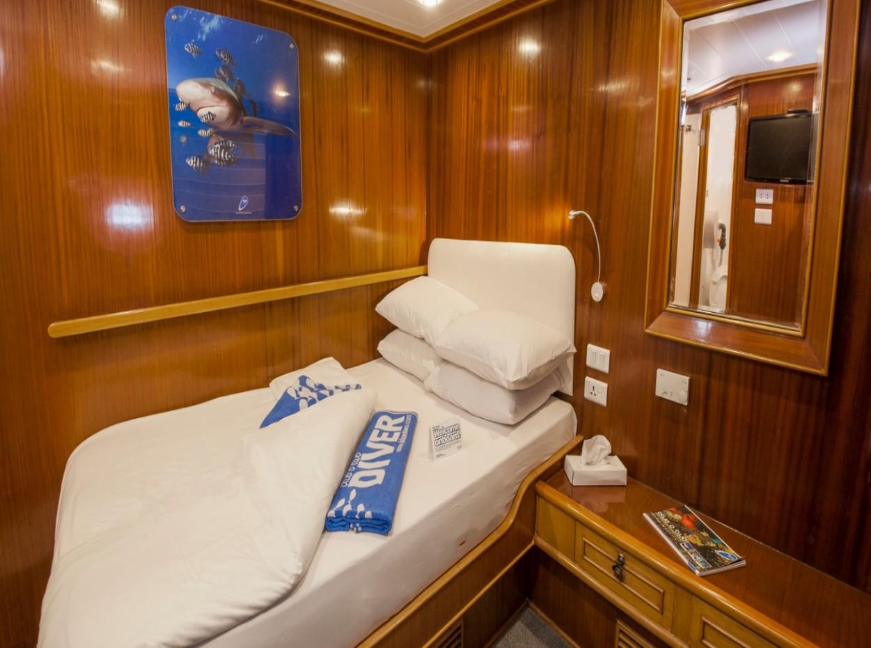 Double cabin aboard M/Y blue Melody liveaboard diving vessel
