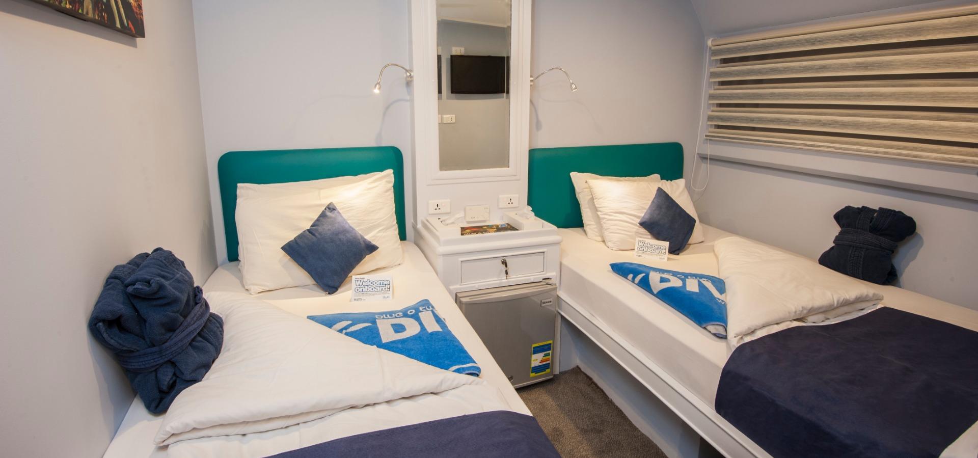 M/Y blue Horizon double cabin with en suite