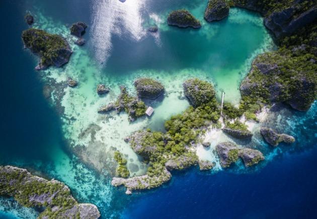 Raja Ampat islands located in Indonesia image
