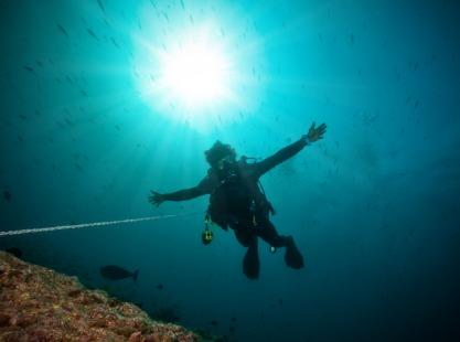 Fotteyo Kandul, Vaavu Atoll, diver in the Maldives
