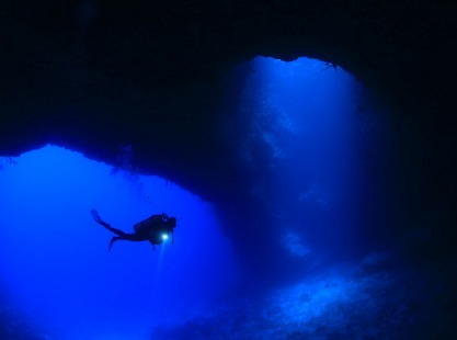 Siaes Tunnel, Ulong, cave diver, image,