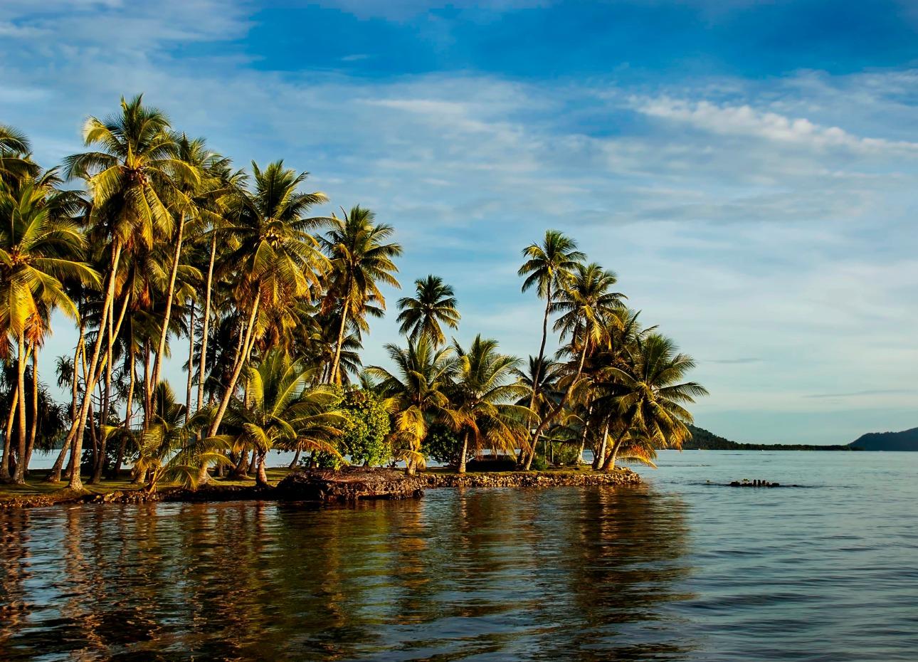 Truk Lagoon island view