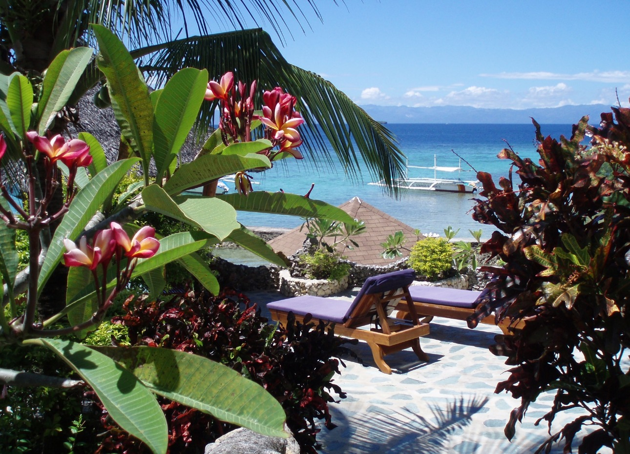 Philippines, Moalboal Magic Island, Dive Resort, Cottages, Loungers, image,