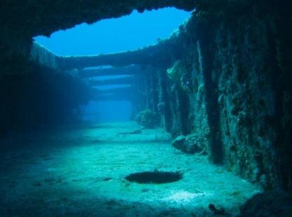 Wreck diving Bahamas