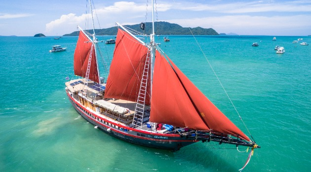 The Phinisi, Myanmar diving holiday liveaboard boat